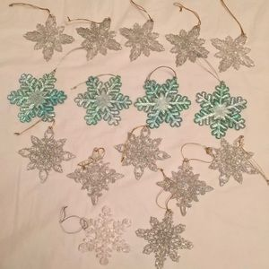 Lot of 16 Clear & Aqua Snowflake Ornaments